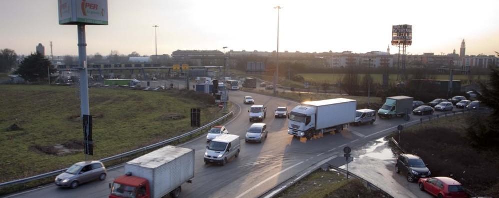 Si riapre il dibattito sul rondò dell'A4 Adiconsum: «Servono interventi urgenti»