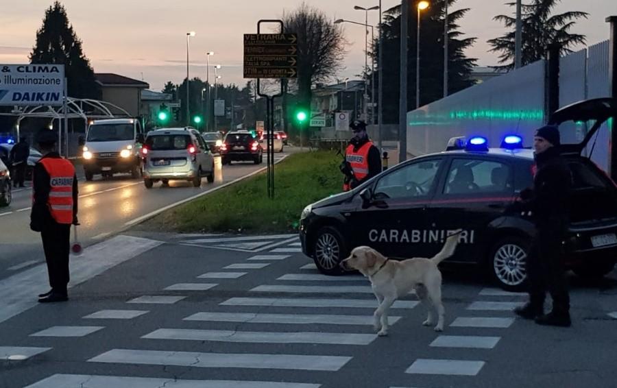 Un chilo di droga e oltre 3 mila euro Due arresti a Comun Nuovo e Stezzano