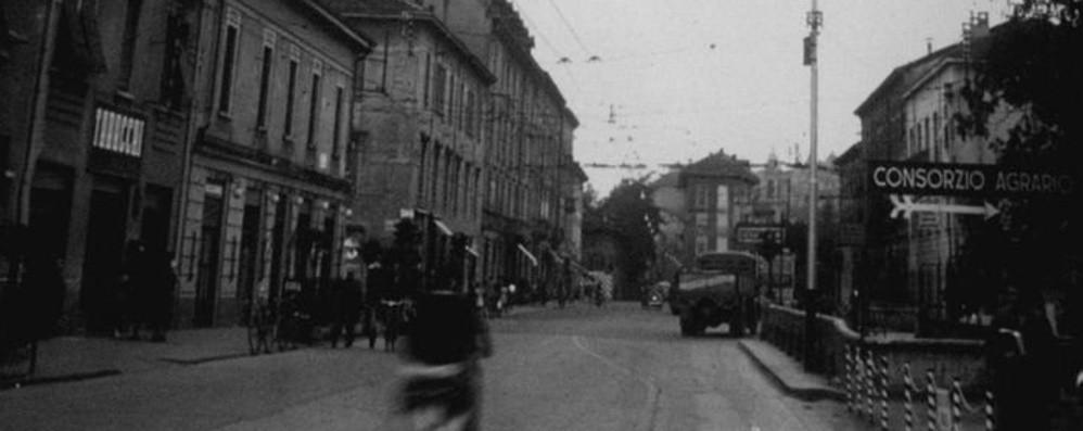Uno tuffo negli  anni Cinquanta all'incrocio di Borgo Palazzo