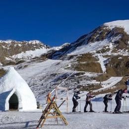 In Val Carisole spunta l'igloo-bar E Petra Vhlova si allena a Foppolo