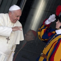 La Guardia Svizzera svela i dettagli  del servizio d'onore in udienza dal Papa