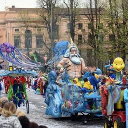 Torna la sfilata di Mezza Quaresima Il Ducato: i carri tradizionali il 31 marzo