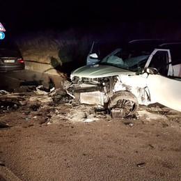 Carvico, violento schianto  Tre auto coinvolte e tre feriti