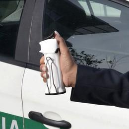 Sicurezza su treni e mezzi pubblici Spray al peperoncino per i controllori