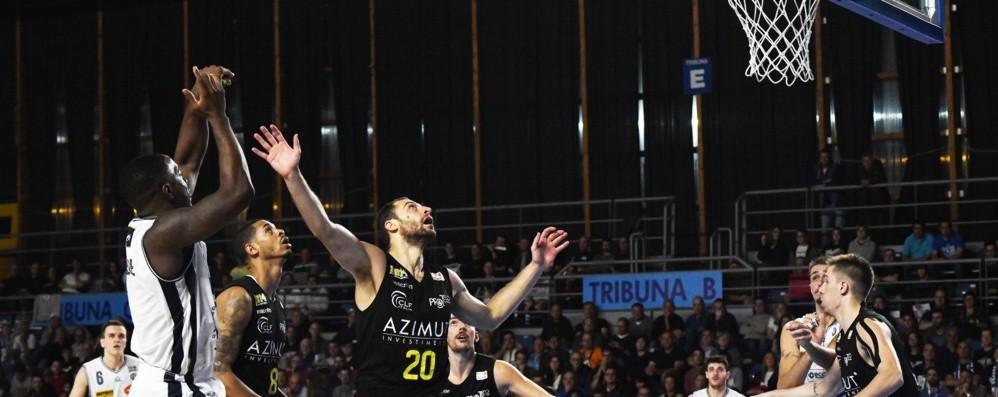 Basket, emozioni pre derby Parlano Dell'Agnello e Insogna