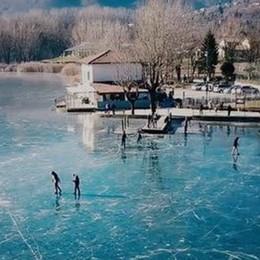 Il lago di Endine fa il giro della Rete - video «Uno spettacolo, ma è pericoloso»