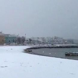 Puglia sotto la neve, 24 voli cancellati Bergamaschi bloccati da 12 ore a Bari