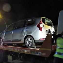 Si ribalta un'auto a Cisano sulla Briantea  Mamma con due bimbi di 7 e 2 anni feriti