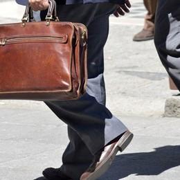 «Ti faccio rimborsare da Enel» Truffa da 20mila euro a una pasticciera