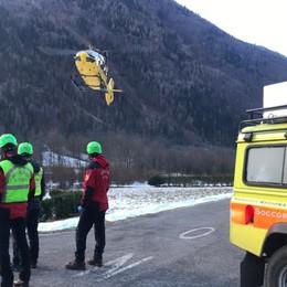 Scivola sul ghiaccio, muore 47enne  Il video dei soccorsi sopra Valbondione