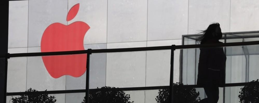 Crisi Apple, il gigante di un solo prodotto