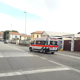 Malore al bar dell'Esselunga Muore 87enne in via Corridoni