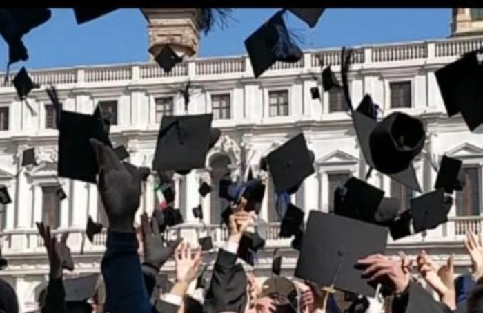lancio del tocco al Graduation day