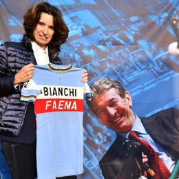 Giro di Lombardia dedicato a Gimondi Festa sul Sentierone per la partenza