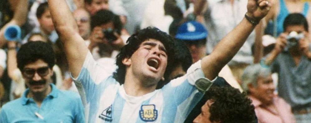 A Stezzano il documentario su Maradona Con due ex: Beppe Savoldi e Oscar Magoni