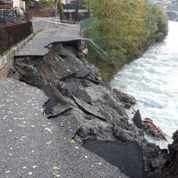 Crolla una strada a Zogno Nessun ferito, stop alle auto
