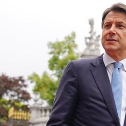 La guerra in Parlamento e la corsa  al centro degli alleati Conte e Renzi