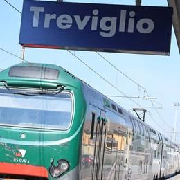 Macchina di manovra urta i cavi Treni, linea Treviglio-Cremona in tilt