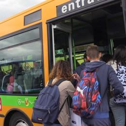 87 euro di multa a un autista a Trescore Sul bus 11 passeggeri (di troppo) in piedi