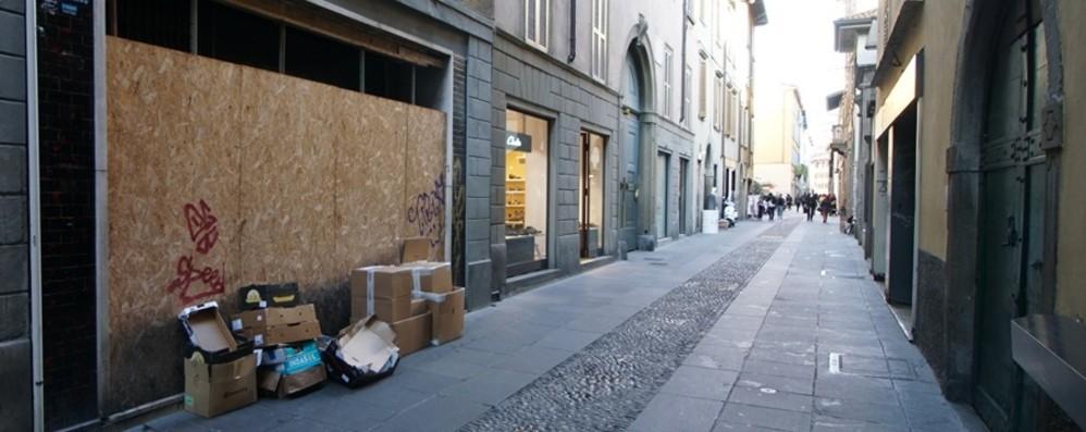 Bergamo, la crisi di via Sant'Orsola Entro fine anno addio a quattro negozi