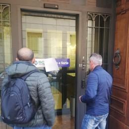 Bergamo, rapina alla Bcc di via Partigiani Bandito solitario scappa con 10 mila euro