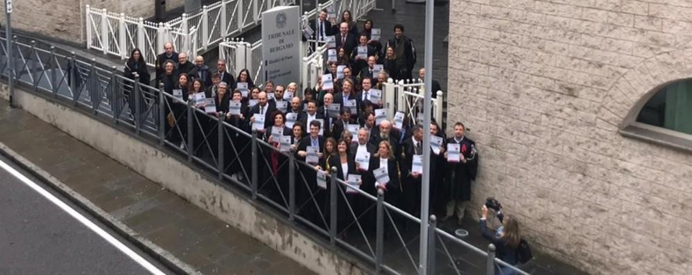 Nuova prescrizione, presidio dei penalisti «Fine processo mai, sciopero fino al 25»