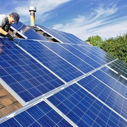 Rimuovete l'amianto? Fondi per il fotovoltaico
