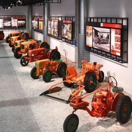 A Treviglio Vespa, Campari, Alfa Romeo L'ingegno in 50 icone in mostra alla Same