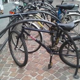 Furti, il record negativo di Boltiere In nove mesi 148: molte sono bici