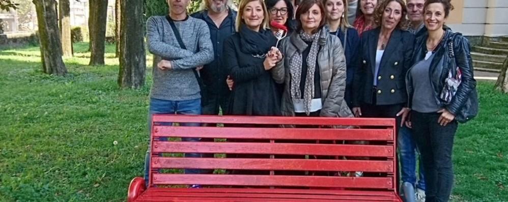 Marina Loreto, mistero lungo 26 anni Una panchina rossa per ricordarla