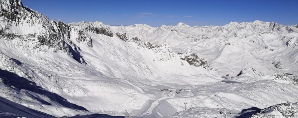 Apre il ghiacciaio Presena Sabato si inizia a sciare