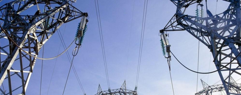 Elettricità, bollette sempre più care In dieci anni sono aumentate del 23%