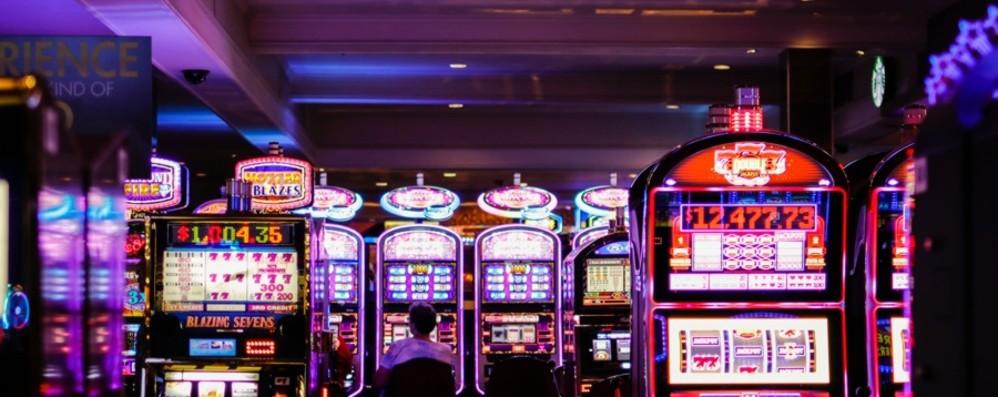 Il caso del 16enne in una sala slot «Si inizia per gioco, poi la dipendenza»