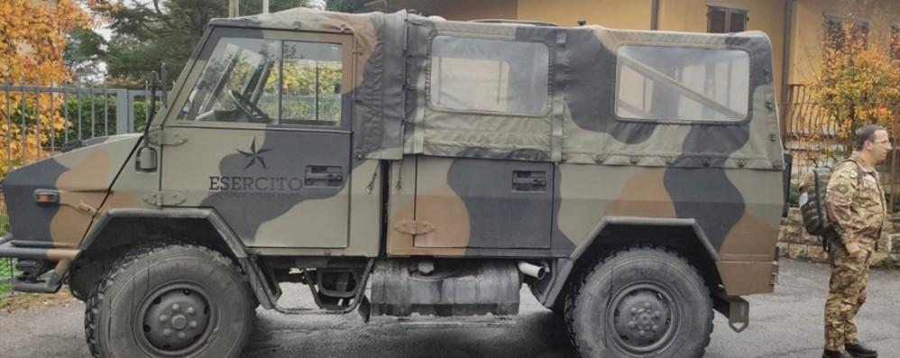Pistole e bombe in casa, arriva l'Esercito A Valtesse evacuate 25 famiglie