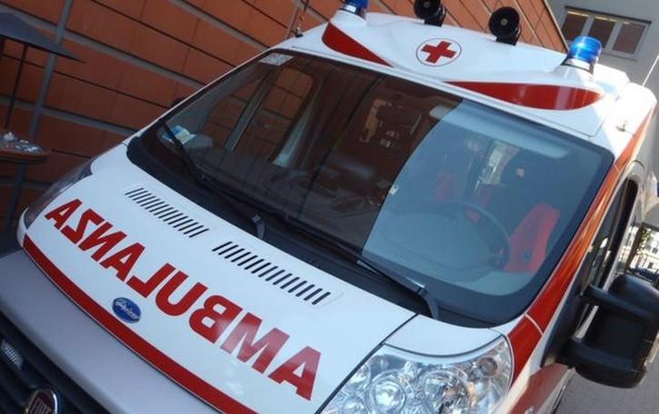 Schianto tra due auto a Villa d'Almè Grave giocatore, partita sospesa