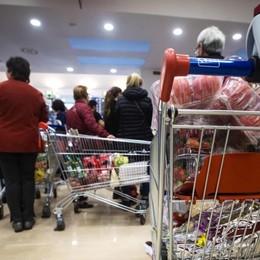 La pressione fiscale sale Le famiglie risparmiano