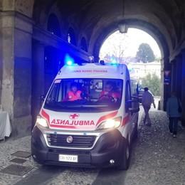 Si sente male mentre è in Città Alta Trasferito d'urgenza al Papa Giovanni