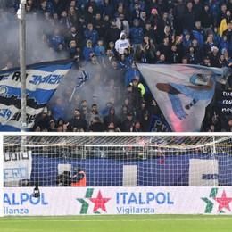Cori razzisti nei confronti di Dalbert Diecimila euro di multa all'Atalanta
