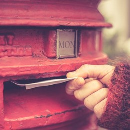 Non hai mai scritto una lettera? Allora il Festival delle Lettere è per te
