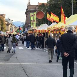 Sapori d'Europa sul Sentierone Tornano i Mercatanti con 140 stand