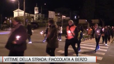 Berzo San Fermo, la fiaccolata per le vittime della strada