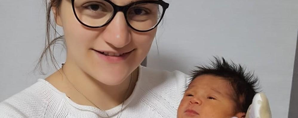 Grande gioia dopo tre anni senza bebè Festa a Blello: è nata Vittoria