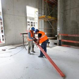 L'edilizia riparte, ma mancano i muratori Troppo pericoloso, i giovani scappano