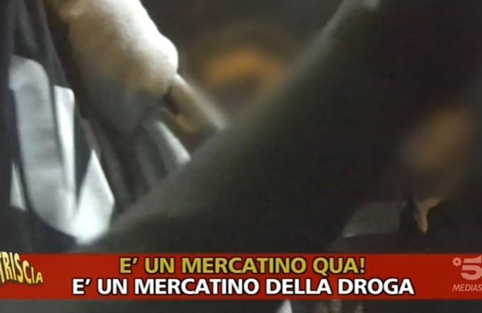 Un frame del video trasmesso nella serata di martedì 11 novembre da «Striscia la Notizia»