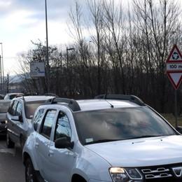 Autostrada, ora il traffico è scorrevole Lunghe code dalle Valli a Bergamo