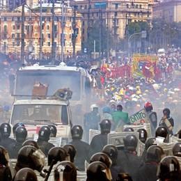 La Francia libera il bergamasco Vecchi Il black bloc del G8 di Genova