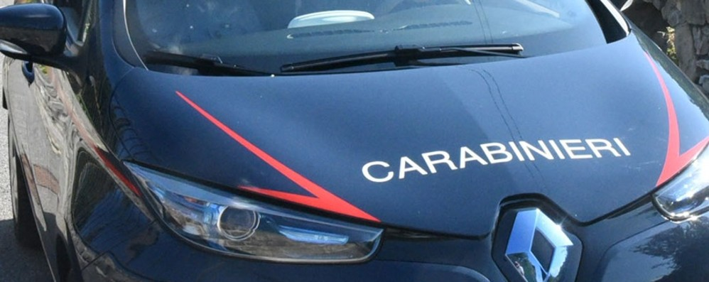 Vede i carabinieri, fugge in moto poi cade  35enne in ospedale: in tasca la droga