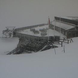 Piogge e abbondanti nevicate in quota Alto pericolo piene e valanghe - Foto