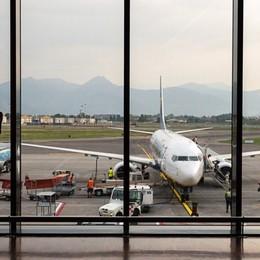 Esposto in Procura contro l'aeroporto «Troppi voli, smog e rischio incidenti»
