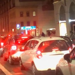 Lavori alla rotonda di via San Bernardino Caos traffico in centro a Bergamo
